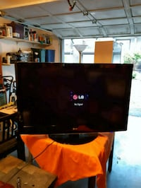 "42""LG TV...works great Port Coquitlam"