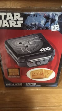Start wars waffles maker- NEW in box