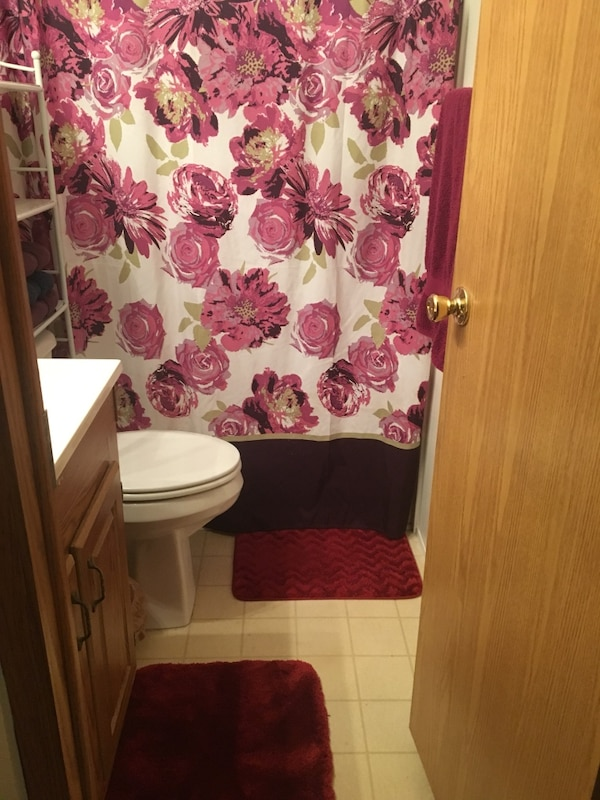 Used White And Pink Floral Shower Curtain W Matching Bathroom Rugs