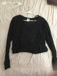 black v-neck long-sleeved shirt Honolulu