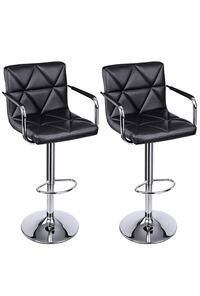 two black leather padded bar stools 兰丘库卡蒙卡, 91739