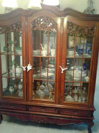Ornate Curio cabinet and 2 side table Everson, 98247