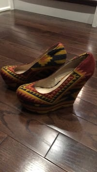 pair of brown-and-red platform stilettos Oakville, L6L 5V9