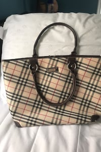 Burberry bag/tote Louisville, 40206