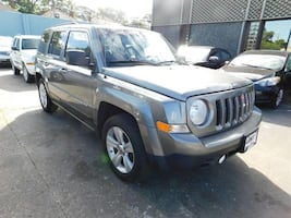 Jeep-Patriot-2012