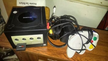 Nintendo Gamecube w/ controller & all cables