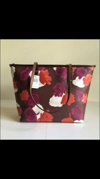 Red and black floral print tote bag New York, 10456