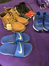 pair of blue-and-white Nike basketball shoes Stratford, N5A 8A4