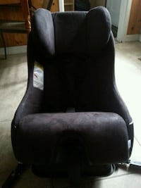 black and gray rolling armchair 3158 km