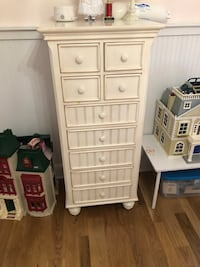 Dresser/ lingerie chest Nashville, 37027