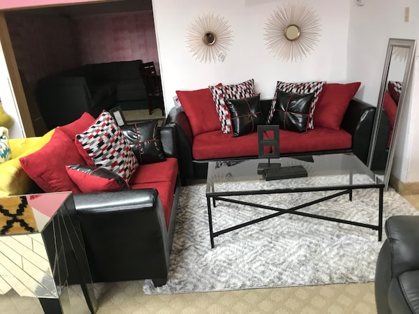 Used black and red living room set for sale in Paterson - letgo