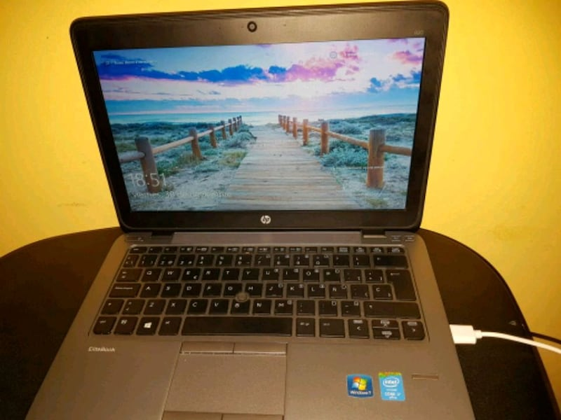 HP Elite Book  0