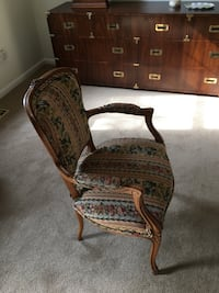 Antique chair in floral pattern Springfield, 22152