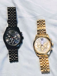 two round gold-colored chronograph watches Selma, 36703