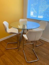 Modern Glass Dining Room Set + White Leather Bar Stools Baltimore, 21239