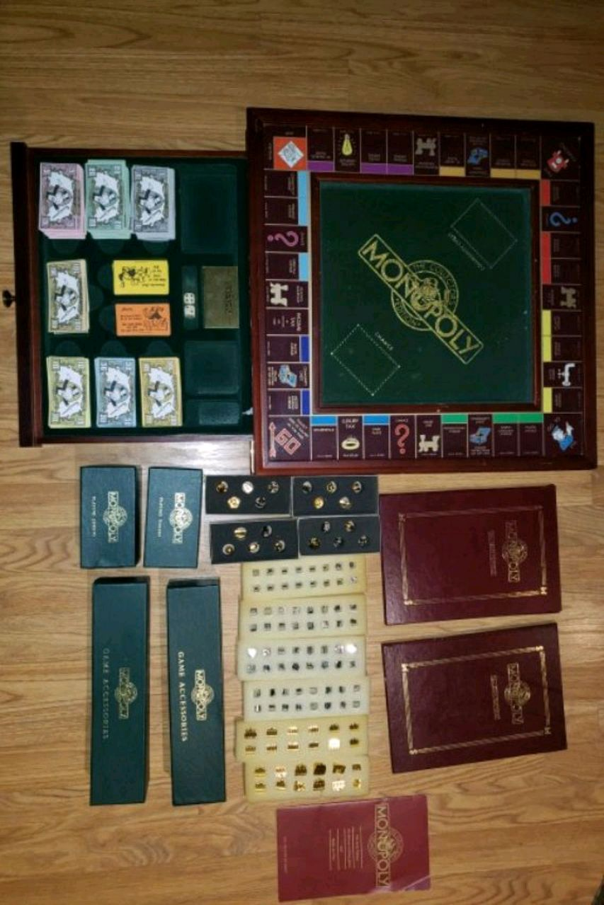 Photo MONOPOLY COLLECTORS EDITION BY THE FRANKLIN MINT IN EXCELLENT CONDITIO