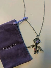 Winged Key necklace New  Toronto, M5G 0A6