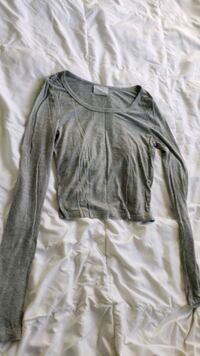 Pacsun (Nollie) sz M gray crop longsleeve top Fairfax