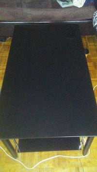 Black coffee table pick up only Toronto, M1G 1R4