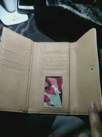 white and black leather wallet Ventura, 93003