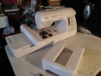 White Singer Sewing Machine 4 in 1 Embroidery  WASHINGTON