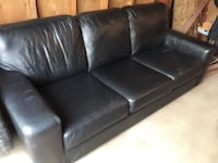 Leather couch  Regina, S4R 4W8
