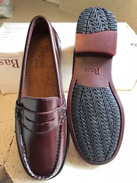 brown WeeJuns Bass leather loafers