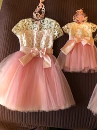 Gorgeous dresses for mom and daughter. Size women S-M , for girl for one year old. Costume made. Great condition, used only once for my daughter birthday ( for photo shoot). Price firm.  Аврора, L4G 6S4