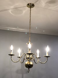 HOLIDAY GIFT: 5-Light Brass Chandelier 19 mi