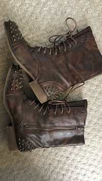 Brown leather combat boots with spikes Ottawa, K1G 4E2