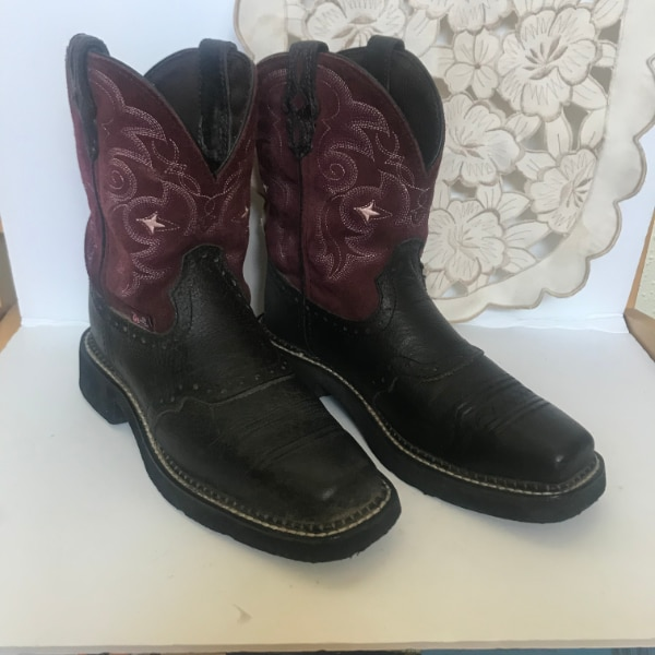 766bc66a6aa Used Justin Gypsy Black/Plum Women's Square Toe Western Cowboy Boots ...