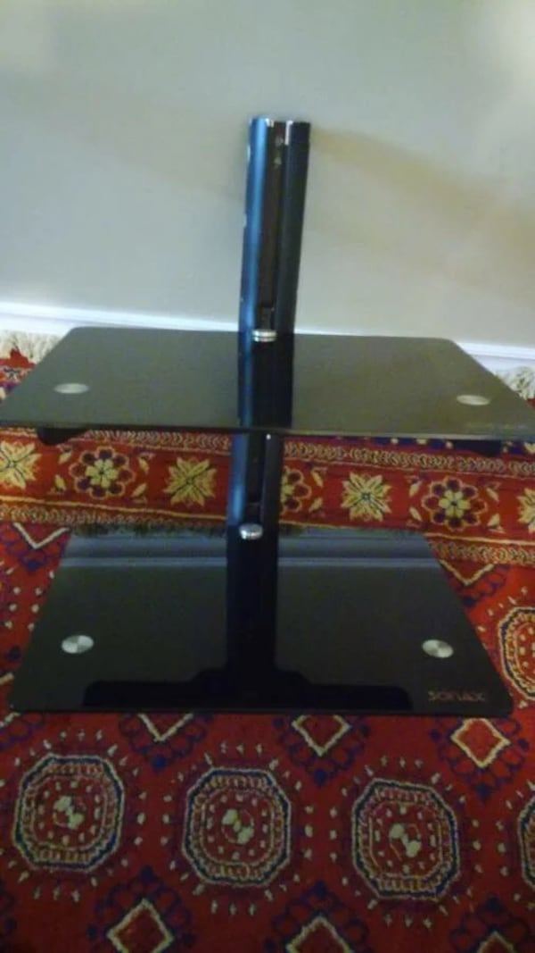 Sony soundsystem and Dvd Blueray player with wall mount 09c6a543-f2b0-4468-9ac9-9b1ae6071a96
