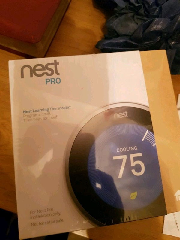Brand new; box never opened; nest smart thermost 4e66d842-741d-4ec4-b9d8-87776dd4ef1a