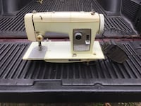 Light green 60's sewing machine works well  Exeter, 02822