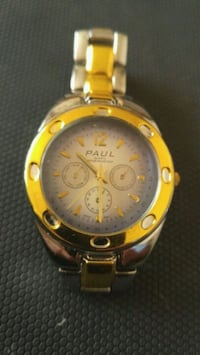 Round gold-colored chronograph watch with link bracelet Beauharnois, J6N 2B9