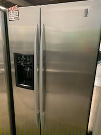GE STAINLESS STEEL SIDE BY SIDE REFRIGERATOR WORKING PERFECTLY 4 MONTH