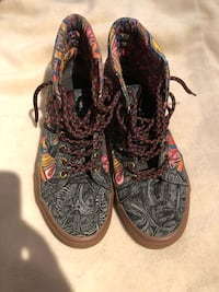 Limited edition Vans size 8.5 US Burnaby, V5G 3X4