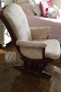 Rocking chair/ Dutalier Slidder Vaughan, L4H 1B3