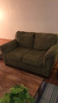 Love seat  Wichita, 67208