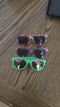 three assorted color framed sunglasses Hebron, 43025
