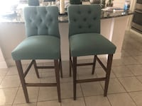 Two Bar stool in a good condition Irving, 75039