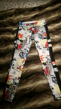Colourful yoga pants Forever 21  Toronto, M9N 2M8