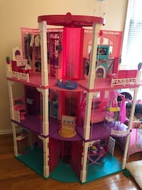 Barbie Dream House, Dolls, Clothes & Accessories  Suitland-Silver Hill