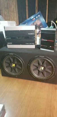 12inch kickers comp and two amps  Los Angeles, 90002
