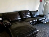 Haverty's Quality Leather Sofa Greenbelt