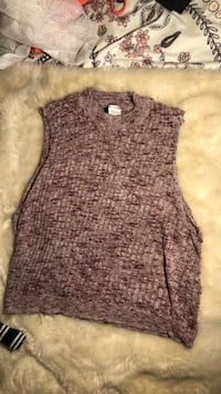 gray and black knitted sleeveless top Washington, 20016