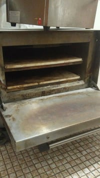 2 Level Stone Electric Oven Hamilton, L8L 6H6