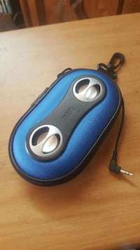 Portable mini speakers with pouch/zipper