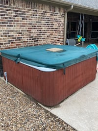 Coleman Hot Tub (Pick up as is)