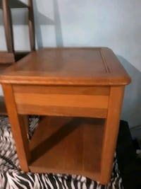 Wooden End Table 28x18x22  Chicago, 60609